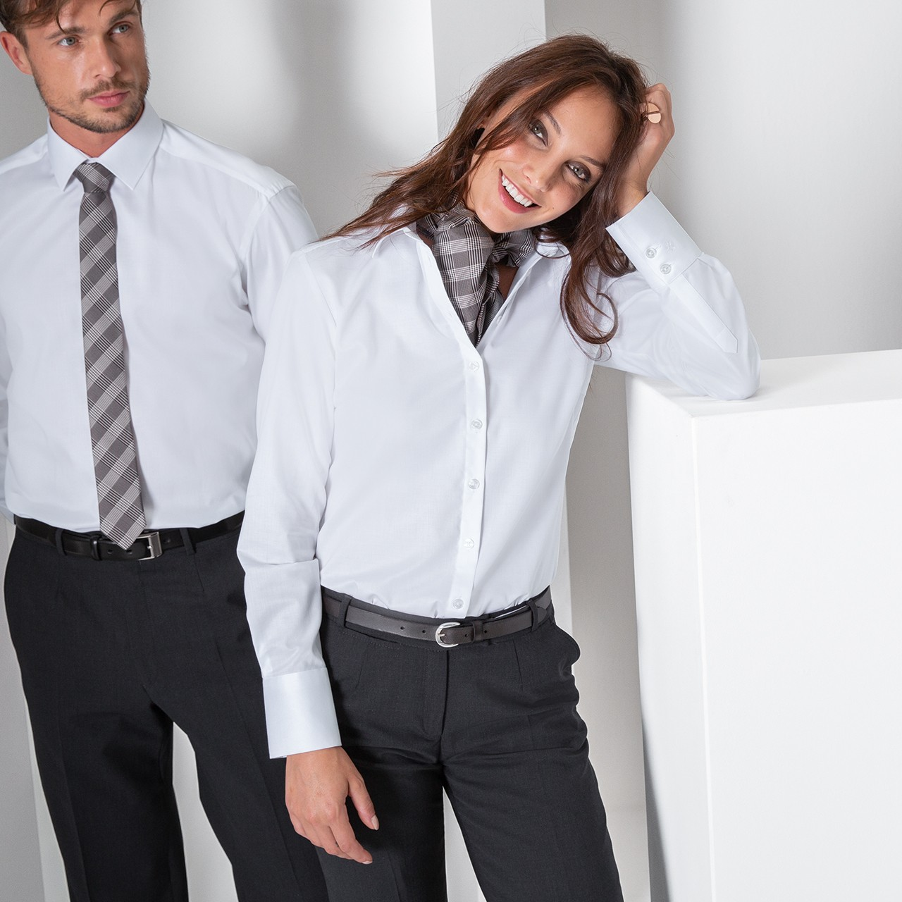Premium Damen Langarm Bluse Weiss Comfort Fit Greiff® | bedrucken, besticken, bedrucken lassen, besticken lassen, mit Logo |