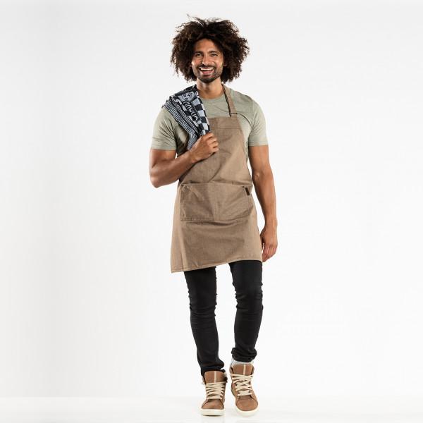 Latzschürze Base mit zwei Taschen Chaud Devant® Farbvariante Mud mit Firmenlogo besticken lassen